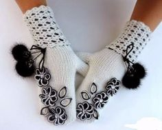 It is a website for handmade creations,with free patterns for croshet and knitting , in many techniques & designs. Crochet Mittens, Mittens Pattern, Crochet Gloves, Knitting Socks, Knitted Hats, Bordados E Cia, Gloves Fashion, Cute Scarfs, Creation Couture