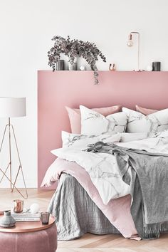 13 Cool Gray Bedroom Ideas to Your Bedroom - Bedroom Design Pink Bedroom Decor, Pink Bedrooms, Teen Girl Bedrooms, Gray Bedroom, Bedroom Ideas, Marble Bedroom, Marble Bedding, Master Bedroom, Trendy Bedroom