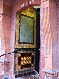Victorian or Edwardian tiles in porchway at Parliament Hill, Gospel Oak, London Victorian Porch, Victorian Tiles, Antique Tiles, Porch Wall Tiles, Minton Tiles, Art Nouveau Tiles, Great British, Doorway, Entrance