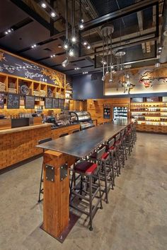 This Starbucks location is inspired by the live music capital of the world: Austin, Texas. Cafe Bar, Cafe Shop, Cafe Restaurant, Restaurant Design, Coffee Shop Interior Design, Coffee Shop Design, Cafe Interior, Cafe Design, Restaurants