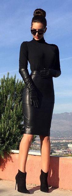 Dominant Leather : Photo