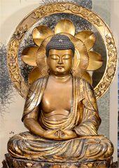 Antique Gilded Wood Japanese Buddha Sculpture; Edo Period.