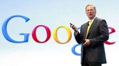 Google Chairman Eric Schmidt speaking at a Motorola phone launch event in New York: Die Zeit der Manager ist vorbei