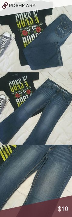 Rue 21 jeans Rue 21 jeans in good condition, minor wear on pant legs size 9/10. Rue 21 Jeans