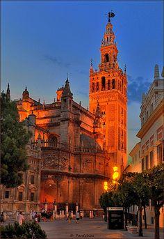 La Giralda al Atardecer, Seville, Spain