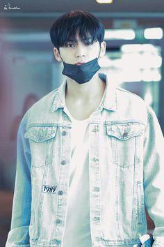 [ COMPLETED ] Right from the start, you were a thief. You stole my heart. ㅡ ( FF Area ) Start : November 2018 ©adoravble Woozi, Mingyu Wonwoo, Mingyu Seventeen, Seventeen Debut, Vernon, Kpop, Kim Min Gyu, Korean Boy, Seventeen Wallpapers