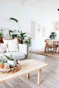 A Plant Stylist's Ultra-Green Home Design Interior Living Room Living Room Furniture, Home Furniture, Living Room Decor, Rustic Furniture, Plants In Living Room, Antique Furniture, Business Furniture, Bedroom Plants, Furniture Movers