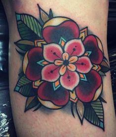 47 schöne Blumen Tattoo Designs – Diy-Mode - Famous Last Words Time Tattoos, Leg Tattoos, Body Art Tattoos, Sleeve Tattoos, Skull Tattoos, Tattos, Traditional Tattoo Elbow, Traditional Mandala Tattoo, Traditional Tattoo Hummingbird