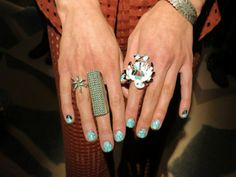 oh em geee. stop. turquoise jewelry & nails to boot. killer.