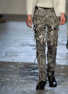OMG I wonder what it must be like to walk in those pants! SICK!