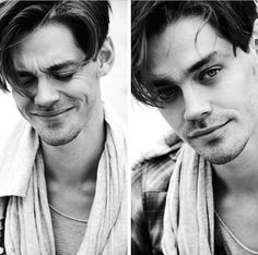 Tom Payne (Jesus - The Walking Dead) wow, he is so much hotter without that idiotic beard!