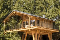 """Treehouses & tree houses to rent: Natural tree house village """"San Luis"""" in South Tyrol – Awesome Vacations - Summer Vacation Woodland House, Forest House, Cool Tree Houses, Tree House Designs, Wallpaper Magazine, South Tyrol, Cabins And Cottages, House In The Woods, Log Homes"""