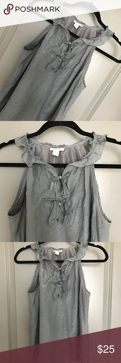 J CREW TOP 💗Condition: EUC, No flaws, no rips, holes or stains 💗Smoke free home 💗No trades, No returns 💗No modeling  💗Shipping next day 💗I LOVE OFFERS, offer me! 💗BUNDLE and save more 💗All transactions video recorded to ensure quality.  💗Ask all questions before buying (98) J. Crew Tops Blouses