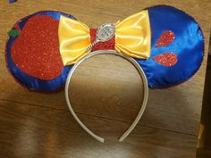 Snow white minnie mouse ears  Made by: Catherine Jordan