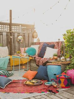 Squeeze in your end-of-summer rooftop party with these helpful tips!