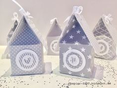 papierZART: Build paper houses yourself, instructions for paper houses, advent calendars, paper houses for fir trees, houses as a table decoration Punch Board, Z Arts, Paper Houses, Stamping Up, Paper Art, Advent Calendar, Building A House, Origami, Birthday Cards