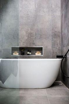 Simple and minimalist bathroom remodel ideas (38)
