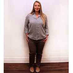 Need a fresh summer look for the office? Come try on our @eileenfisherny chambray blouse pair it with these #FredSabatier brown trousers.  #plussize #plussizefashion #plussizestyle #psfashion #psstyle #psblogger #fatshion #effyourbeautystandards #honormycurves #curves #curvy #torontofashion #primaala #beautyislimitless #plussizeootd #psootd #curvesarein #beautybeyondsize #lovetheskinyourein #workwear #officeootd