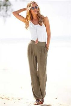 Effortless look.. I would wear these pants so fast if David let me lol