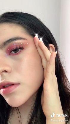 Edgy Makeup, Makeup Eye Looks, Eye Makeup Art, Cute Makeup, Eyeshadow Makeup, Hair Makeup, Makeup Trends, Rhinestone Makeup, Silvester Make Up
