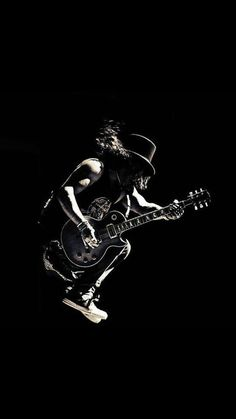 I Love This Photos, When Guitarists Jumping From Heights And Still Playing :) And When It's Slash's Photo, Than It's Awesome :D Siga o nosso blog Mundo de Músicas em http://mundodemusicas.com/