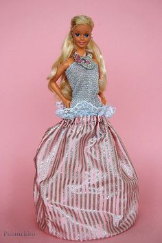 1986 Jewel Secrets Barbie. All the jewelry was in the bag, her skirt