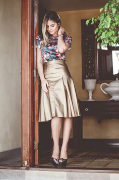 Metallic skirts are just gorgeous.... try them for any day occasion...