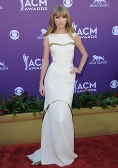 Taylor Swift    she always have the best outfit