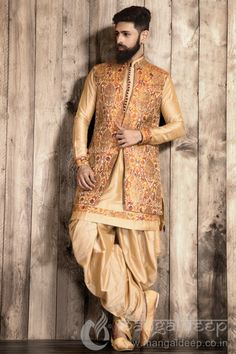 Celebrate your wedding collection with this Light golden coloured Silk fabric kameez with fancy button. Available with Cotton Silk fabric Golden coloured Patiala. Wedding Dresses Men Indian, Wedding Dress Men, Indian Wedding Wear, Wedding Men, Wedding Suits, Indian Dresses, Groom Outfit, Groom Dress, Men Dress