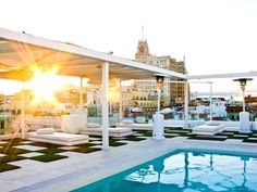 Terraza Splash del Hotel Oscar en Madrid             Room Mate Mario   C/ Campomanes 4, 28013   T. +34 915 488 548 F. +34 915 591 288