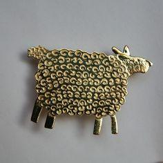 Sheep brooch £16.50 #folksyfriday