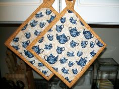 Country Teapot Quilted Potholders by StarlaKramer on Etsy, $7.50