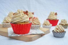 Ginger bread cupcakes // Piparikuppikakut  http://lav-eat.blogspot.fi/2014/11/piparikuppikakut.html