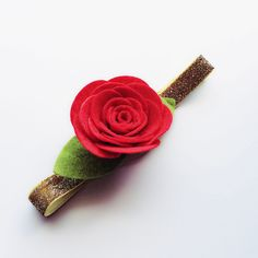 This is a felt red rose headband. The rose is attached to a shiny gold FOE headband. Lace Headbands, Baby Girl Headbands, Shabby Flowers, Felt Flowers, Red Rose Flower, Red Roses, Felt Hair Accessories, Girls Accessories, Hooks