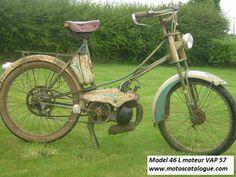1955 Dilecta, VAP 57 engine, Model 46L M. Chichery begon in 1920 met de productie van motorfietsen. Zijn bedrijf leverde een behoorlijk modellenaanbod met 98- tot 498cc-inbouwmotoren van Aubier Dunne, Chaise, JAP, Soyer, Villiers en andere merken.
