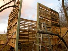 Make a barn using recycled wooden pallets