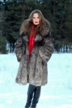 Fox Fur Coat, Fur Coats, Sheepskin Coat, Fur Fashion, Derp, Indigo, Sexy Women, Hair, Jackets