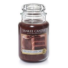 Chocolate Layer Cake Scented Candle : Large Jar Candle : Yankee Candle : The scrumptious layering of cocoa and chocolate mousse is pure decadence.-- my favourite candle ever! Bougie Yankee Candle, Yankee Candle Scents, Yankee Candles, Jar Candle, Yankee Candle Christmas, Oil Candles, Best Candles, Scented Candles, Candle Accessories