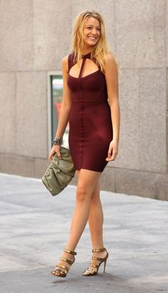 There are 2 tips to buy dress, blake lively, blake lively dress, serena van der woodsen, burgundy dress. Blake Lively Dress, Blake Lively Style, Gossip Girls, Fashion Tips For Women, Womens Fashion, Vetement Fashion, Sexy Legs, Nice Dresses, Celebrity Style