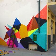 Resultado de imagem para mural geométrico na parede