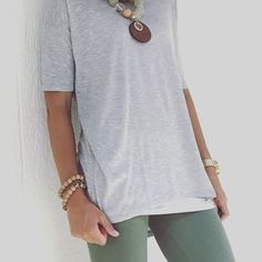 LuLaRoe gray Irma tunic and olive green leggings - Cute leggings outfit Grey Leggings Outfit, Cute Outfits With Leggings, Green Leggings, Cute Leggings, Cute Casual Outfits, Lula Roe Outfits, Autumn Winter Fashion, Just In Case, My Style