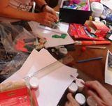 """Oficina DO TEXTO À IMAGEM: OFICINA DE PRODUÇÃO CRIATIVA Pelo Núcleo de Ação Educativa da CGA Domingo, 6 de maio, das 15h às 17h. A partir de trechos imagéticos de """"reportagem"""" de Guilherme de Almeida reunidas no livro Cosmópolis, esta oficina propõe, por meio de colagens, pinturas e outras técnicas, a criação de imagens como...<br /><a class=""""more-link"""" href=""""https://catracalivre.com.br/geral/agenda/barato/virada-cultural-oficina-do-texto-a-imagem-oficina-de-producao-criativa/"""">Continue…"""