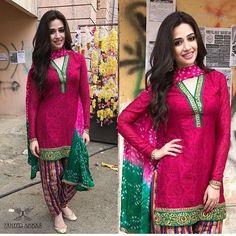 Sana javed on sets of her upcoming film #Mehrunisawelubyou wearing @zaheerabbasofficial! ✨ - - #Sanajaved #Followus ✨