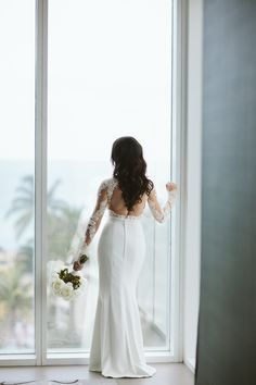 bride photo ideas #weddingphotos @weddingchicks
