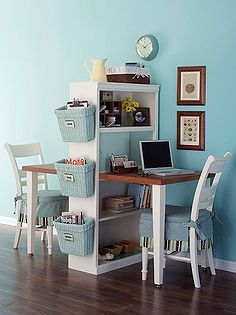 Diy Home decor ideas on a budget. : 6 Considerations When Decorating a Small Space. See our 19 favorite home office ideas for small mobile homes. You don't have to have a lot of space to create a nice home office. Desk For Two, Double Desk, Double Space, Double Room, Diy Casa, Ideas Para Organizar, My New Room, Home Organization, Organizing Ideas