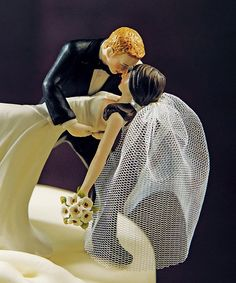 Classic Romance Miniature Veil - Unique Wedding Cake Toppers - Cake Toppers
