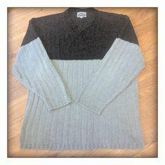 Svetr Pánský svetr S až M velikost,rukavy kratší strihem,cena 50Kč