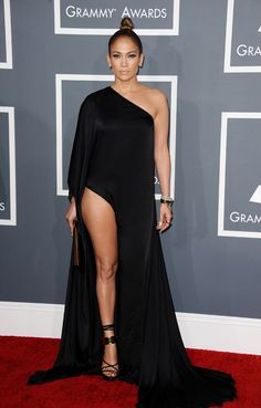 Jennifer Lopez en Anthony Vaccarello aux Grammy Awards 2013