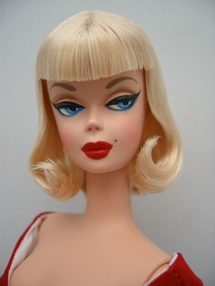 Silkstone Barbie OOAK by Wonderbilly, and maybe my favorite Barbie repaint EVER! I need this doll.