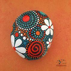 Pintado de roca diseño inspirado en el Mandala por etherealandearth